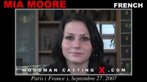 Check out this video of Mia Moore having an audition. Erotic meeting between Pierre Woodman and Mia Moore, a French girl.